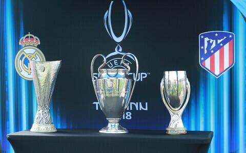 В Таллинне представили трофеи европейского клубного футбола.