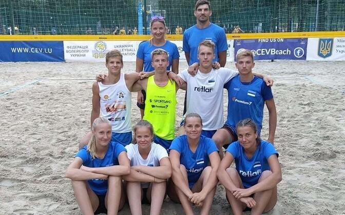 Eesti rannavõrkpallurid EEVZA turniiril.
