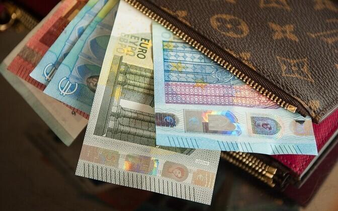 Многие жители Эстонии в той или иной степени испытывают финансовые затруднения.