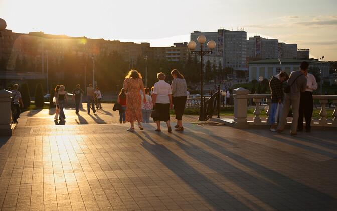 Inimesed Minski vanalinnas.