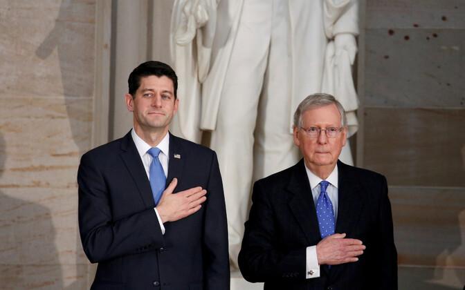 Esindajatekoja spiiker Paul Ryan (vasakul) ja senati vabariiklaste juht Mitch McConnell.