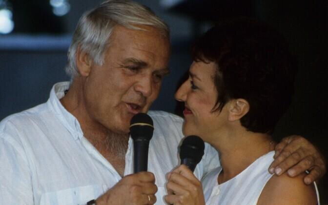 Mati Talvik ja Maire Aunaste ETV 40. juubelile pühendatud saates 1995. aastal