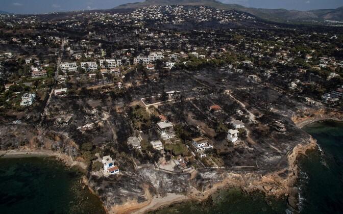 Põlenud ala Ateena lähistel Mati linnas.