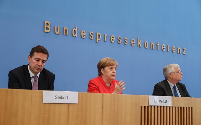 Angela Merkel pressikonverentsil.