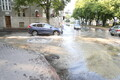Veeavarii Kreutzwaldi ja Raua tänava nurgal