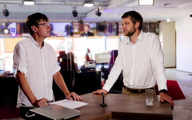 Indrek Kiisler (left) with Jevgeni Ossinovski.
