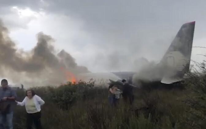 Упавший в Мексике самолет