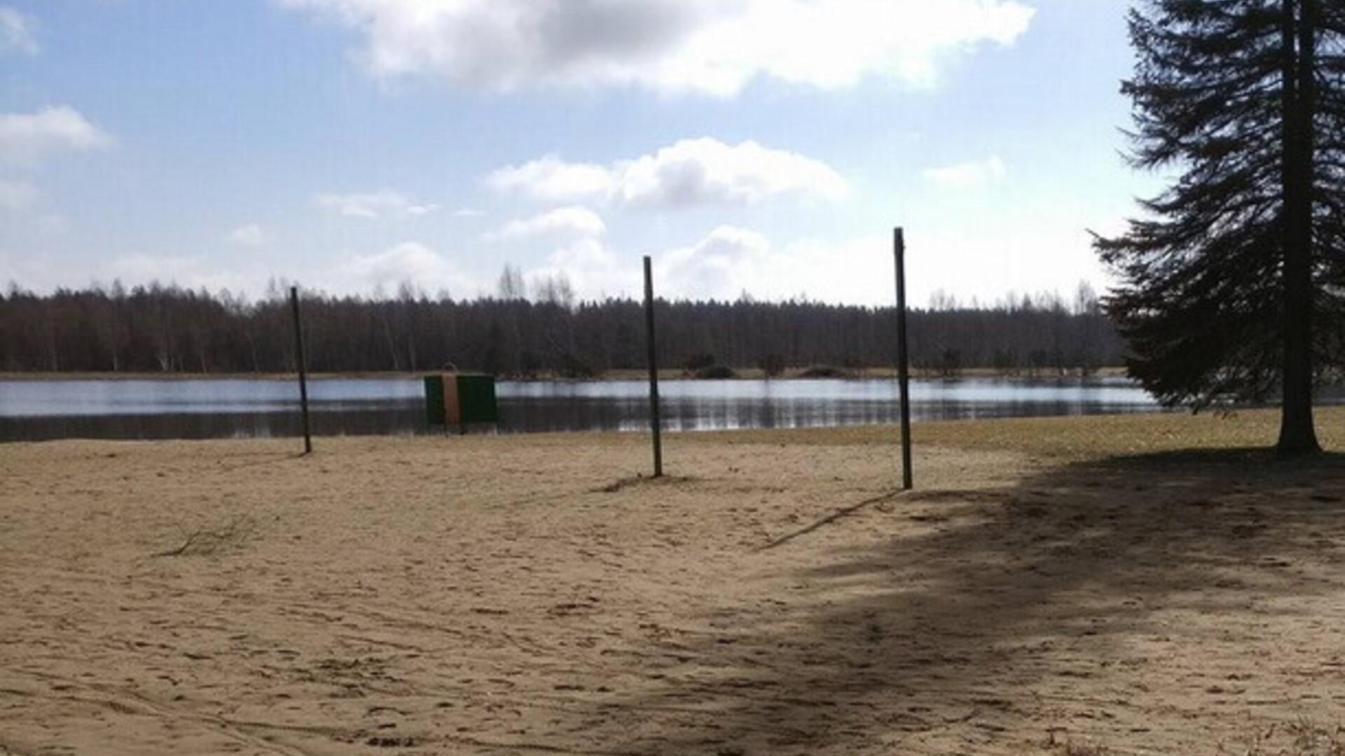 8399c012c15 Türi järve rannas sai viga pea ees madalasse vette hüpanud poiss   Eesti    ERR