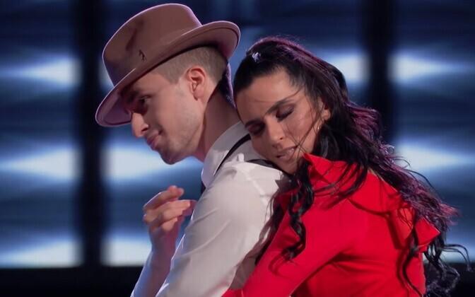 Alisa Tsitseronova on Eesti ning Joseph Tsosh Kreeka tantsija ja koreograaf
