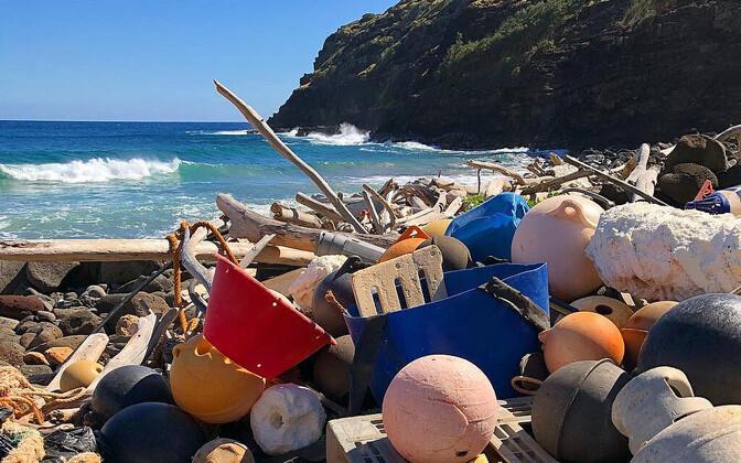 Plastireostus Hawaiil asuva Unulau lahe kallastel.