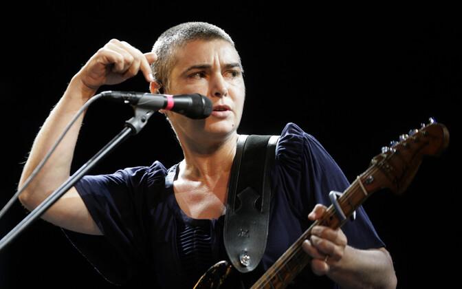 Magda Davitt, endise nimega Sinéad O'Connor.