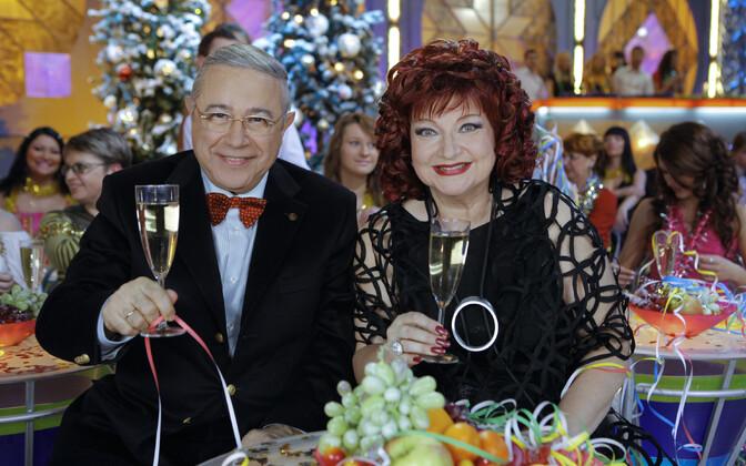 Юморист Евгений Петросян и Елена Степаненко.