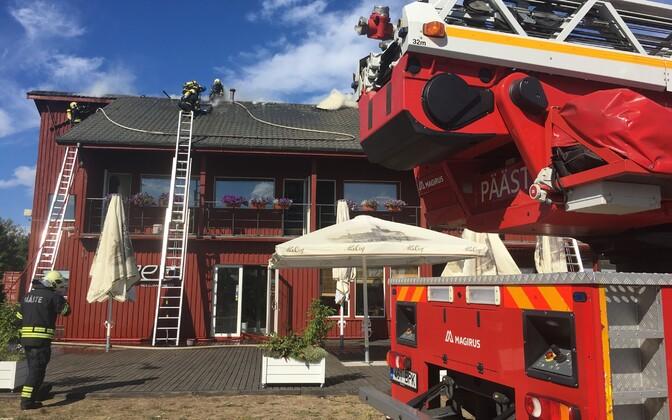 Tuletõrjujad restorani Neem juures eelmise aasta augustis.
