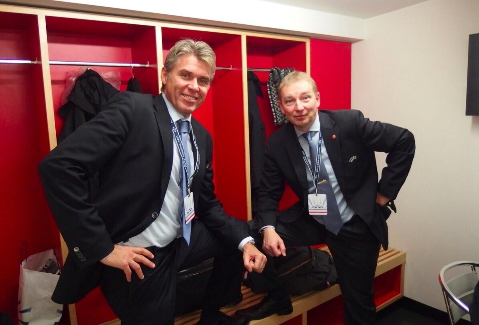 d06e8276ed5 Uno Tutk (paremal) koos värske UEFA kohtunike juhi ja 2012. aasta Euroopa  meistrivõistluste finaali kohtuniku Roberto Rosettiga. Autor/allikas:  Erakogu