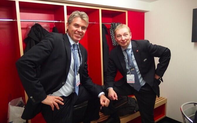 Uno Tutk (paremal) koos värske UEFA kohtunike juhi ja 2012. aasta Euroopa meistrivõistluste finaali kohtuniku Roberto Rosettiga.