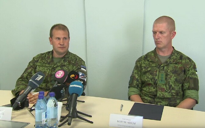 Col. Riivo Valge and Maj. Gen. Martin Herem at Wednesday's press conference. 8 August, 2018.