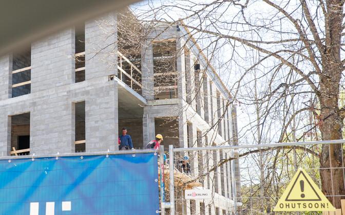 Строительство жилья в Таллинне сейчас на подъеме.