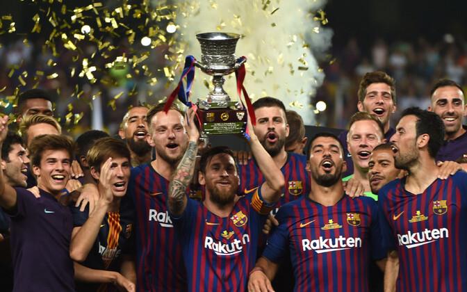 Barcelona mängijad Hispaania superkarikaga