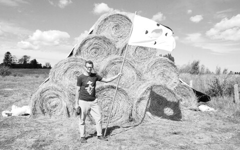 Installatsioonikunstnik Chad Stayrook.