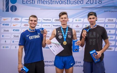 Meeste esikolmik: meistritiitli võitis Taavi Tšernjavski (keskel), hõbeda Risto Lillemets (vasakul) ja pronksi Kristjan Rosenberg.