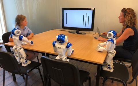 Inimesed kipuvad roboteid usaldama ja hoolivad nende arvamusest.