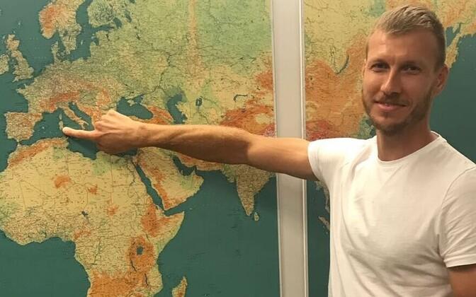 Ragnar Klavan näitab, kus ta uuel hooajal mängima hakkab