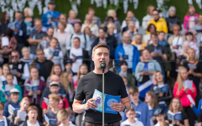 Singing on the Song Festival Grounds in 2018.