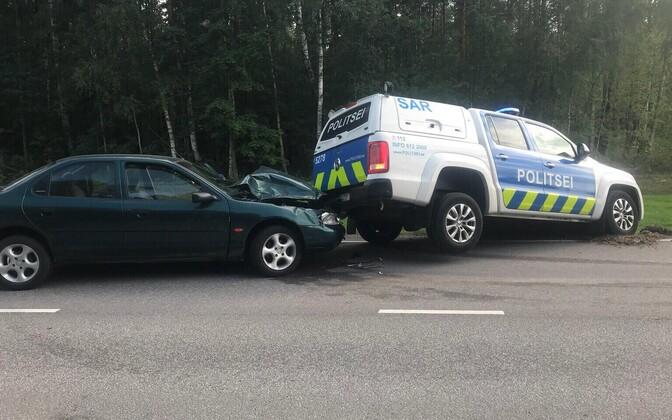 Politsei sundpeatas joobes juhi auto