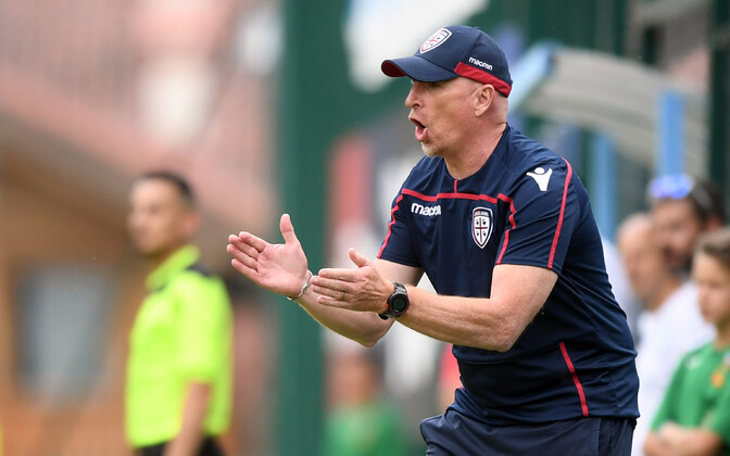 Cagliari Calcio manager Rolando Maran (pictured) has yet to pick the freshly-arrived Ragnar Klavan.