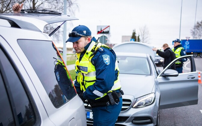 Mixed units of the police and Defence League are checking vehicles at different points across Estonia this weekend.