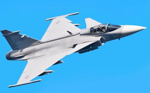 Шведский истребитель JAS 39 Gripen.
