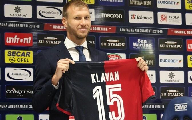 Ragnar Klavan after signing for Cagliari Calcio in August.