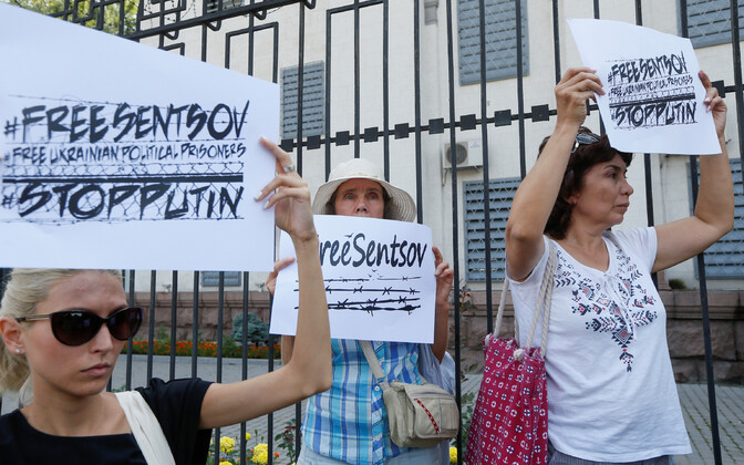 Ukrainlased protestimas Sentsovi kinnipidamise vastu 21. augustil Kiievis.