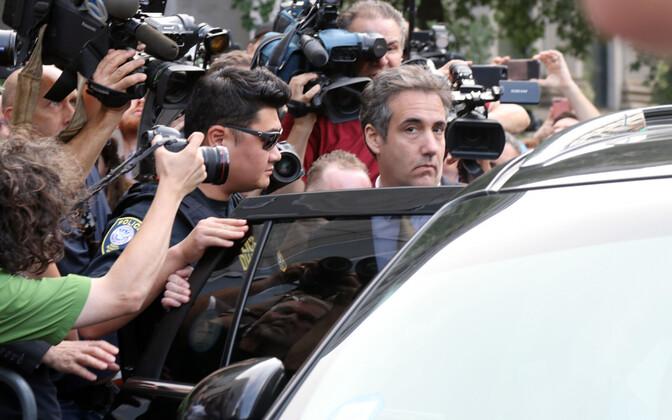 Майкл Коэн у здания суда в Манхэттене 21 августа.