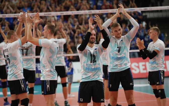Волейболисты сборной Эстонии отметили и вклад болельщиков в свой успех.