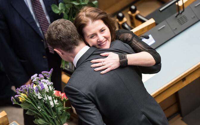Лийза Овийр покинула парламент.