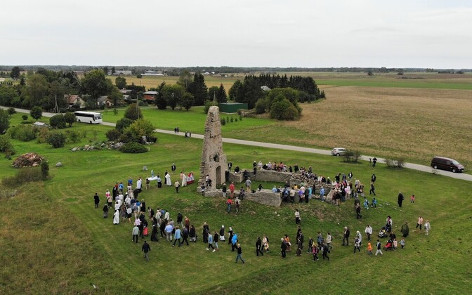 Viru-Nigulas paluti õnnistust paavsti Eesti-visiidile