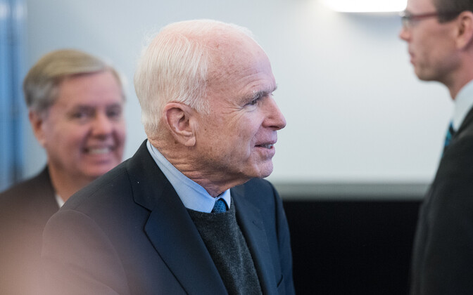 John McCain Eestis.