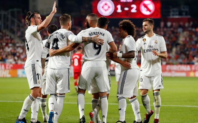 Madridi Reali mängijad väravat tähistamas.