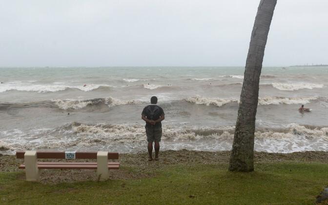 Mees Uus-Kaledoonia rannikul, arhiivifoto.