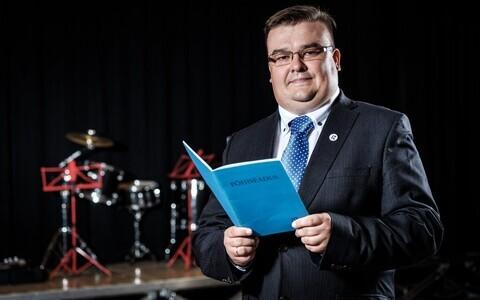 Antti Leigri Palade Põhikoolist on aasta õppeasutuse juhi nominent.