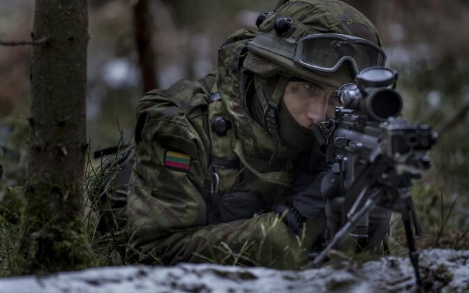 Leedu sõdur õppusel.