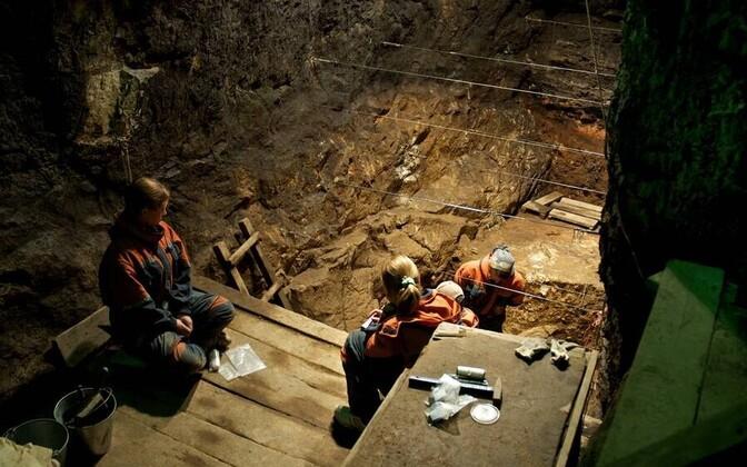 Väljakaevamised Denissova koopas.