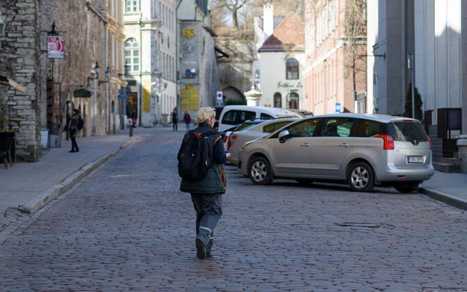 Парковка в Старом городе - удовольствие довольно дорогое.