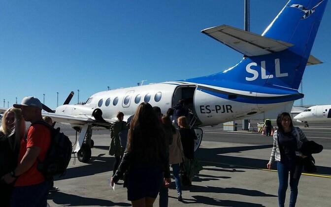 Praegu Saaremaa ja Hiiumaa lennuliine teenindava Transaviabaltika lennuk.