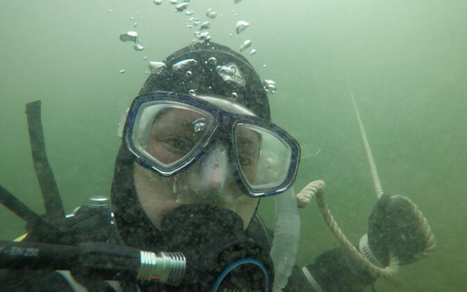 Brightoni Ülikooli teadlased külastasid Eestit, et rannikumere mererohuväljasid uurida.