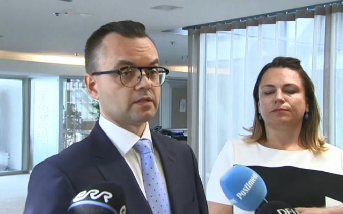 Martin Hallik ja tema advokaat Kristi Sild