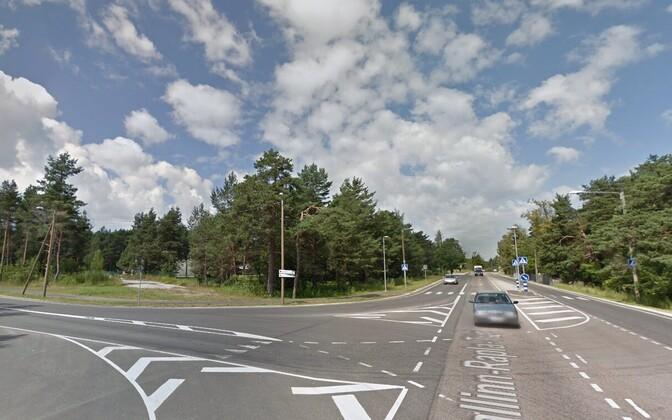 Место ДТП на пересечении улицы Лийваметса и Вильяндиского шоссе в Таллинне.