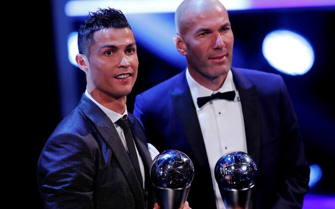 2017. aastal valis FIFA maailma parimaks mängijaks Cristiano Ronaldo ja treeneriks Zinedine Zidane'i