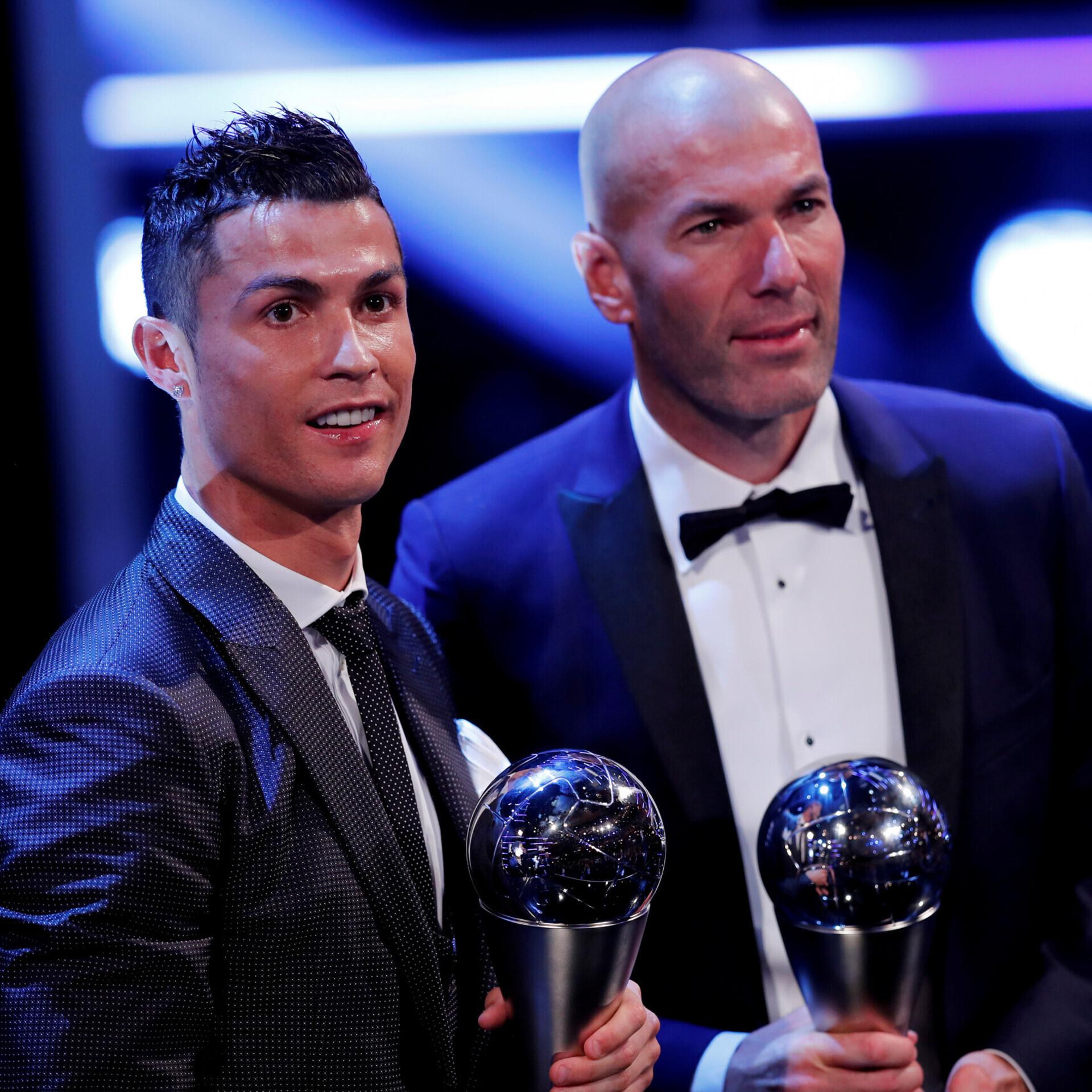 5a02f13a149 Messi jäi FIFA parimate mängijate valimisel kolme finalisti seast välja |  Jalgpall | ERR